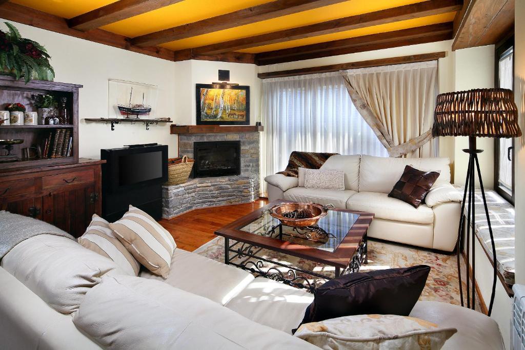 Apartments In Benos Catalonia