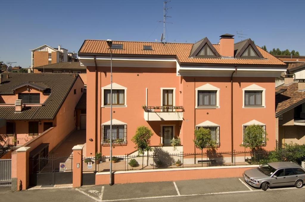 Appartamenti villa anna melegnano prezzi aggiornati per for Case melegnano