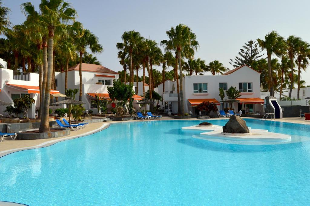 Bahia Calma Beach Hotel