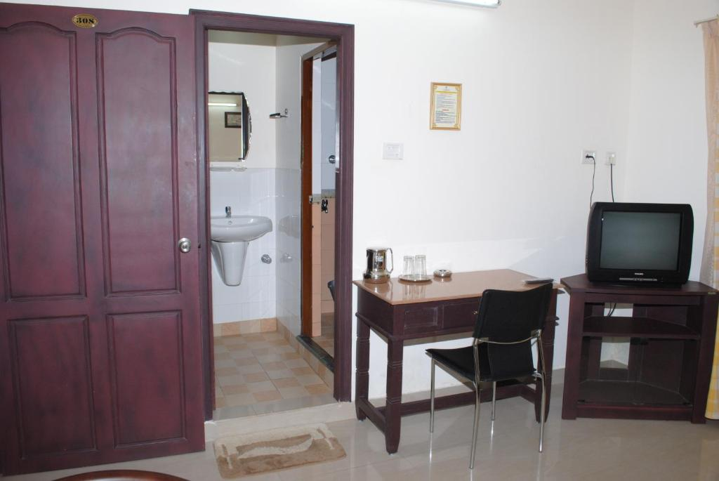 Bathroom Doors Trivandrum hotel chinnus, trivandrum, india - booking