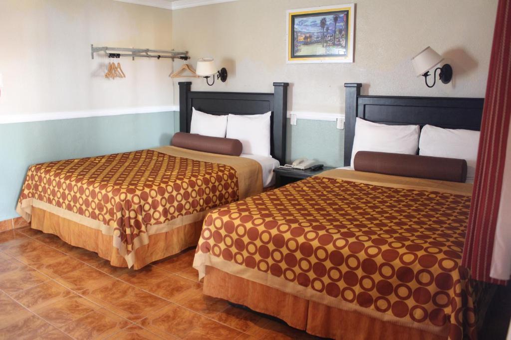 パラダイス イン アンド スイーツ(Paradise Inn and Suites)