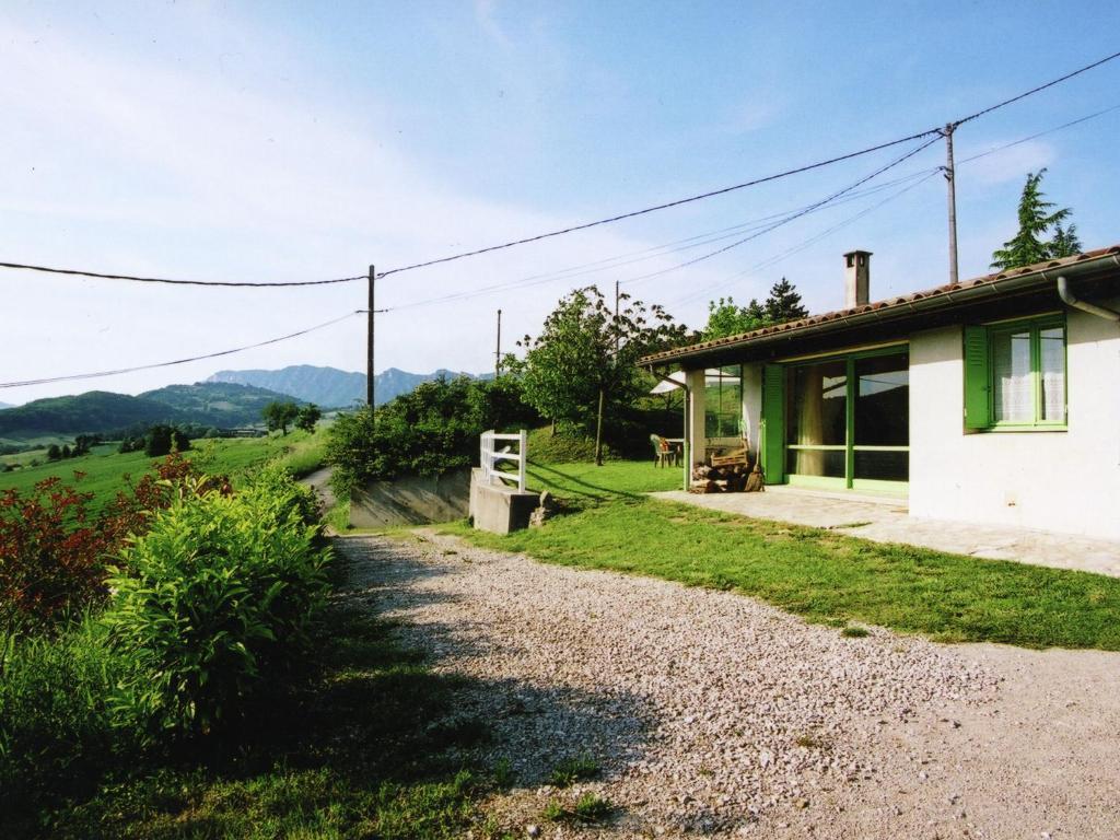 Garden sa labas ng Maison De Vacances - Bourdeaux 2