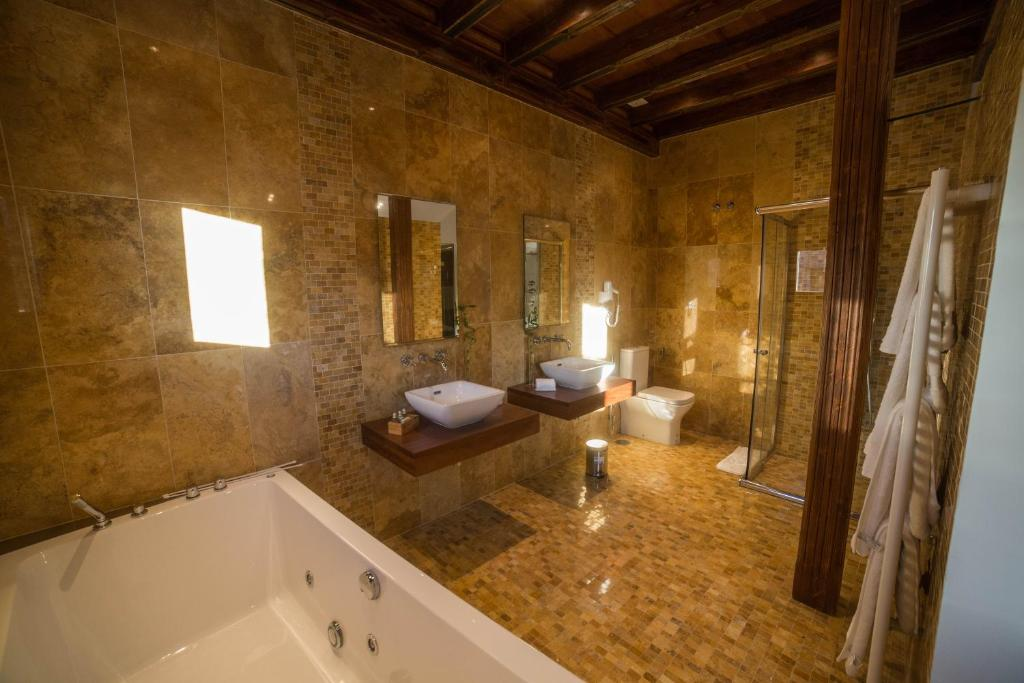 hotels with  charm in madrigal de las altas torres  8