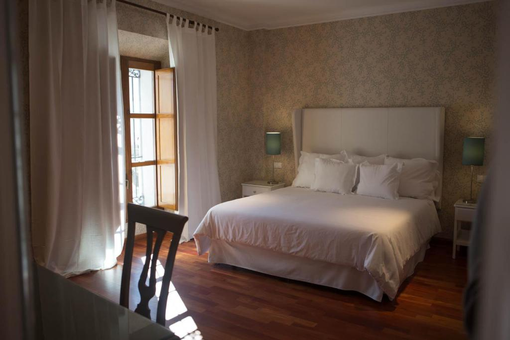 hotels with  charm in madrigal de las altas torres  20