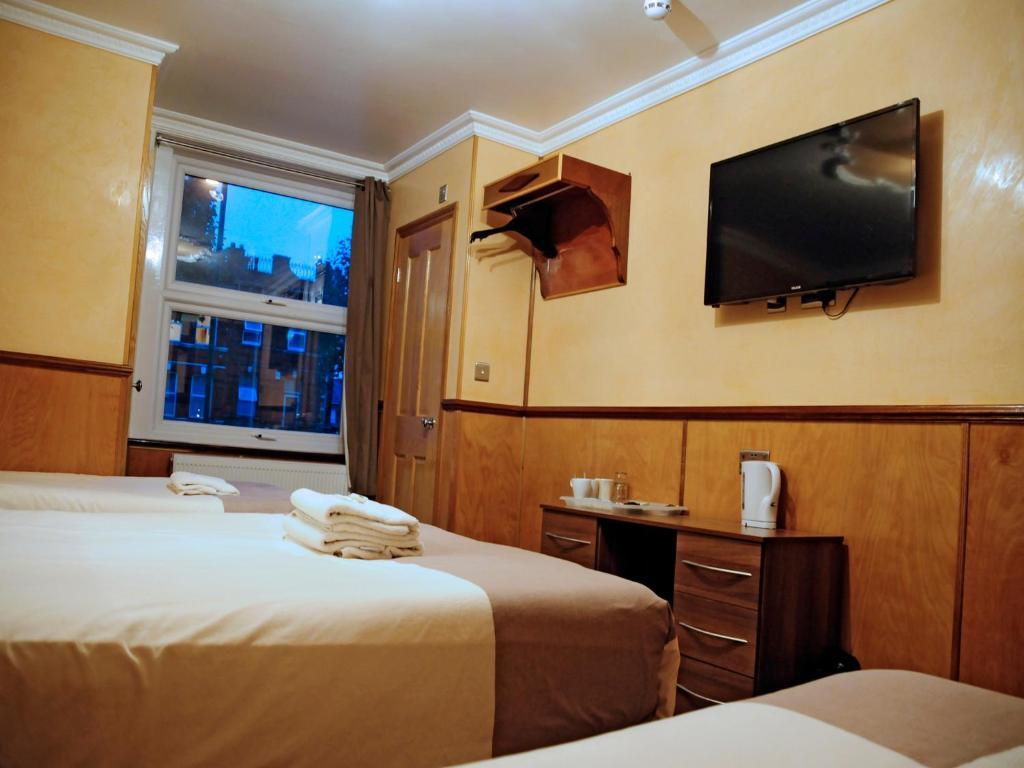 Afbeeldingsresultaat voor cricklewood lodge hotel
