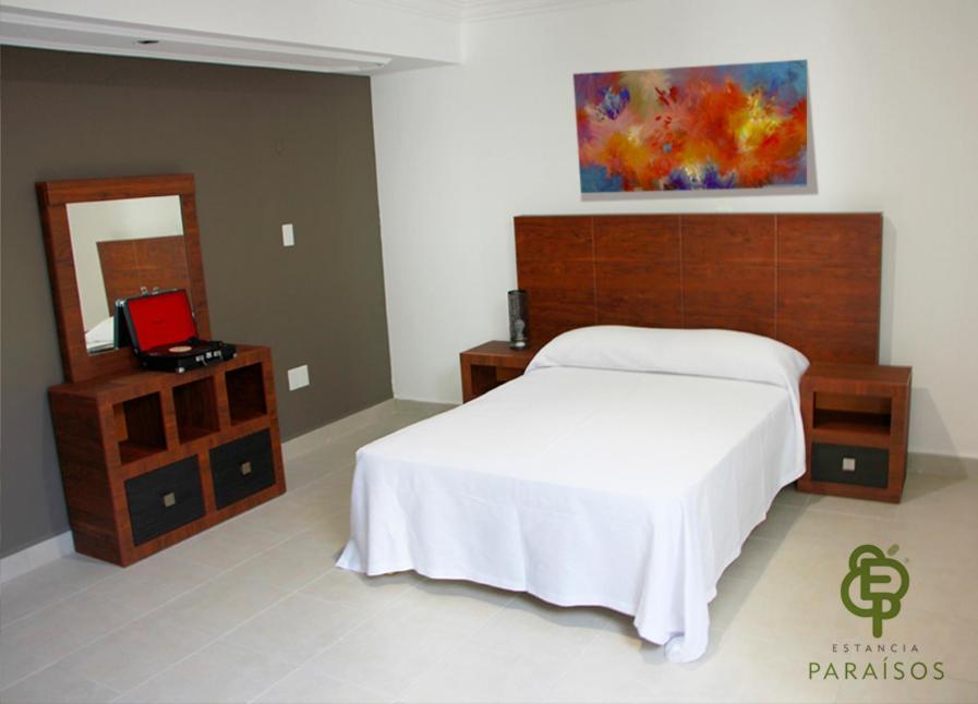 Hostal o pensi n estancia para sos m xico le n for Alojamiento estancia 30m2