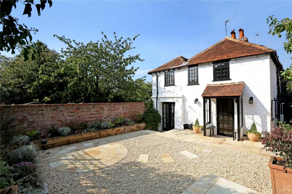 Henry Viii Cottage  Henley On Thames  Uk