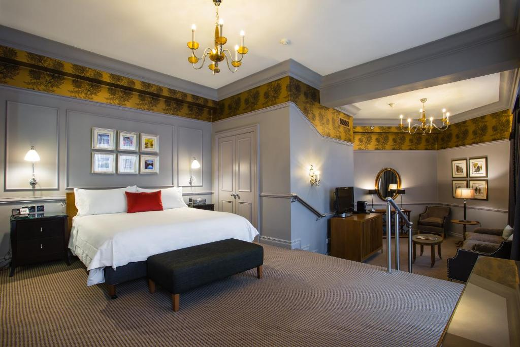 Hotel Waldorf Astoria The Caledonian Gb Edinburgh Booking Com