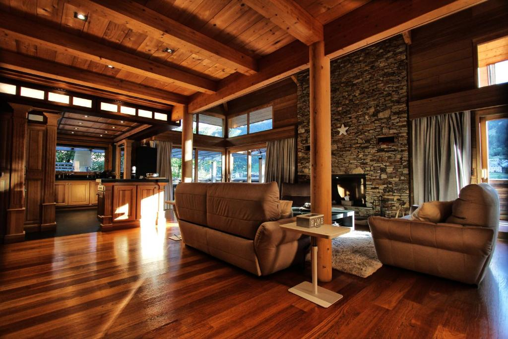 Chalet luxe acalou france la salle les alpes for Reservation hotel luxe