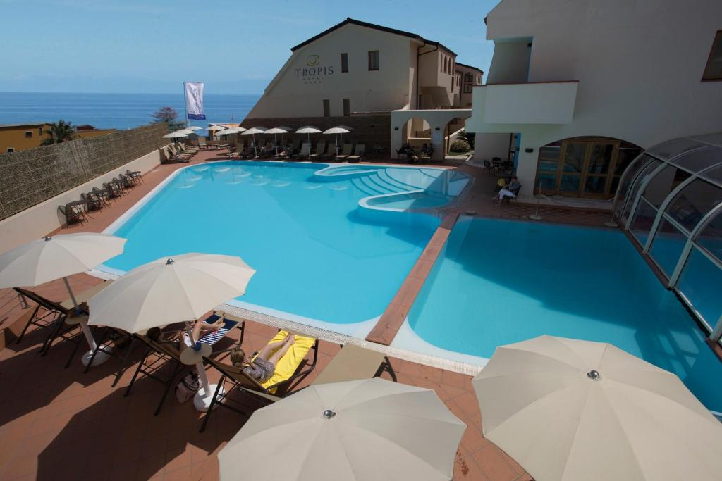 The swimming pool at or close to Hotel Tropis