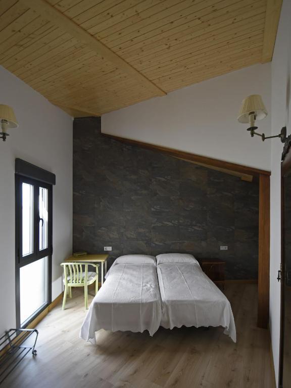 gran imagen de Apartamentos La Rocanda