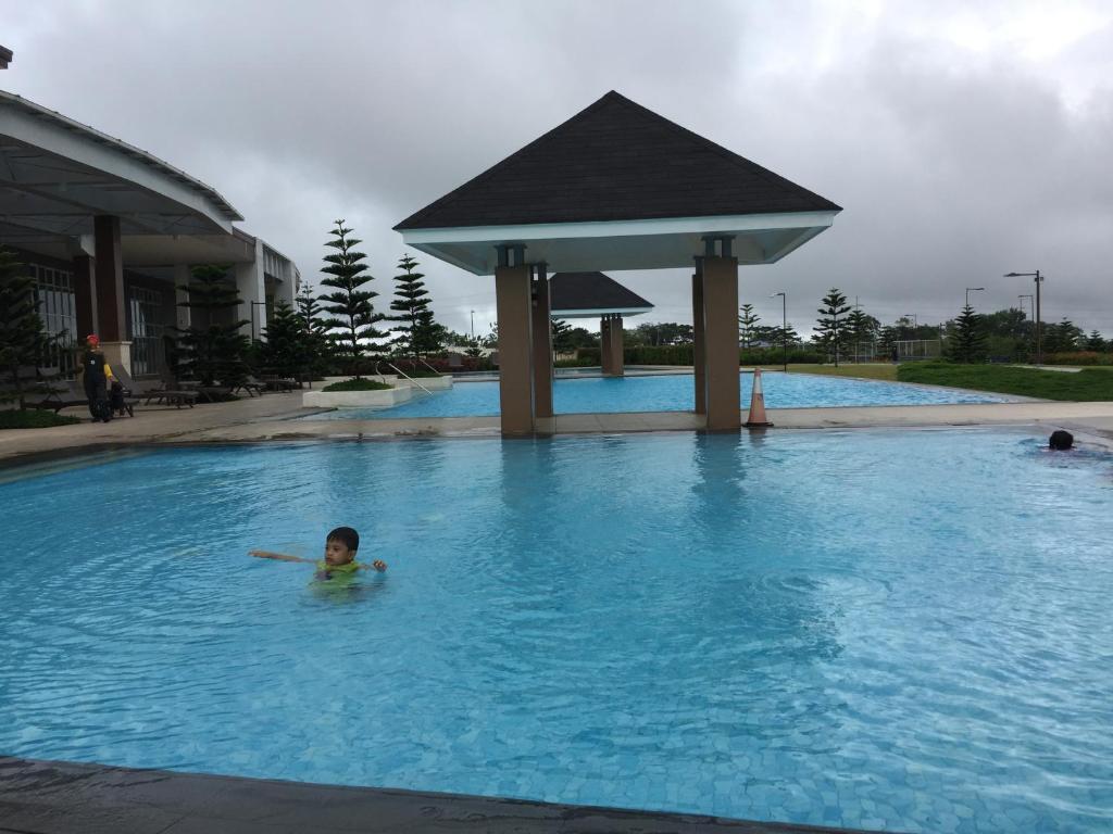 Wind Residence With View Of Taal Lake Tagaytay Hinnad Uuendatud 2018