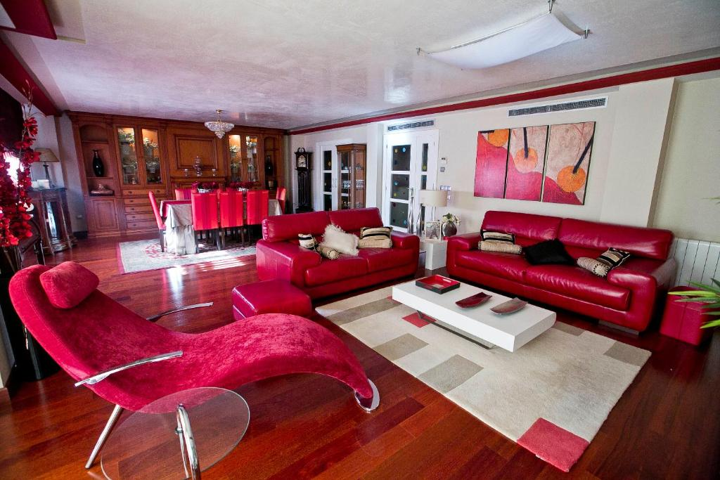 A seating area at Center Luxury Apartment