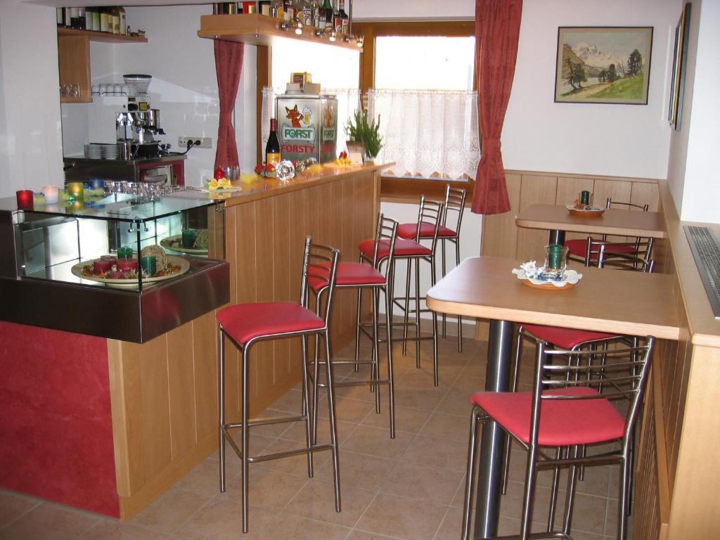 Hotel Viktoria (Italien Kastelruth) - Booking.com