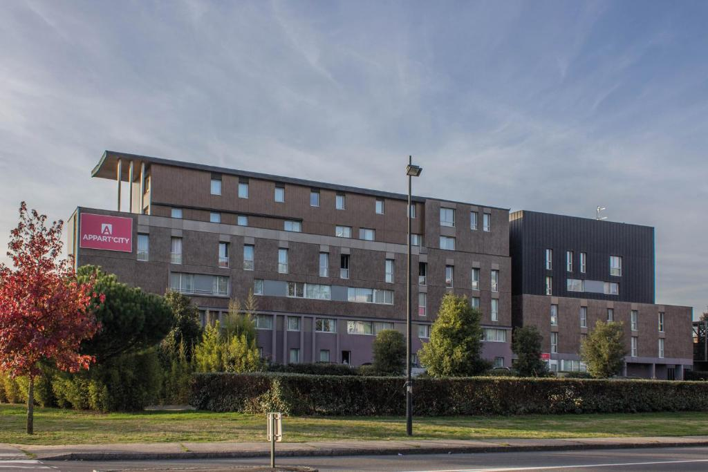 Aparthotel appart city nantes saint herblain saint for City appart