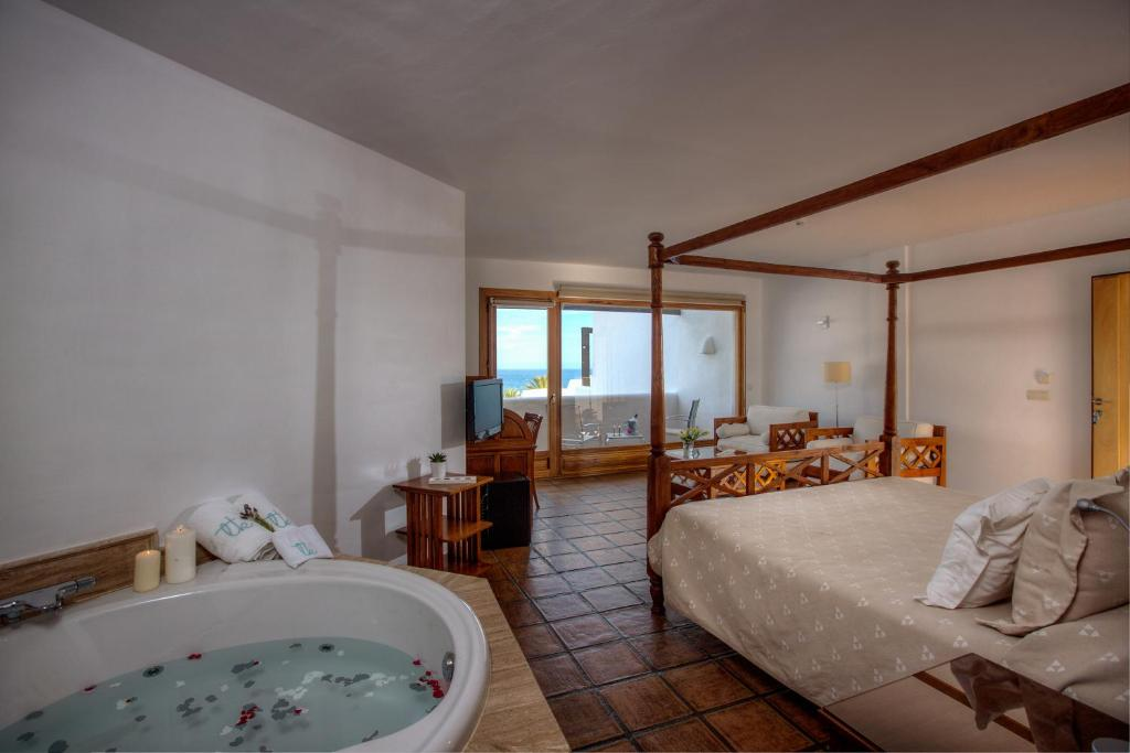 boutique hotels in agua amarga  35