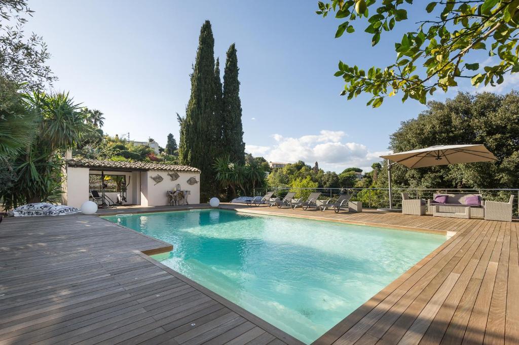 villa super cannes france vallauris. Black Bedroom Furniture Sets. Home Design Ideas