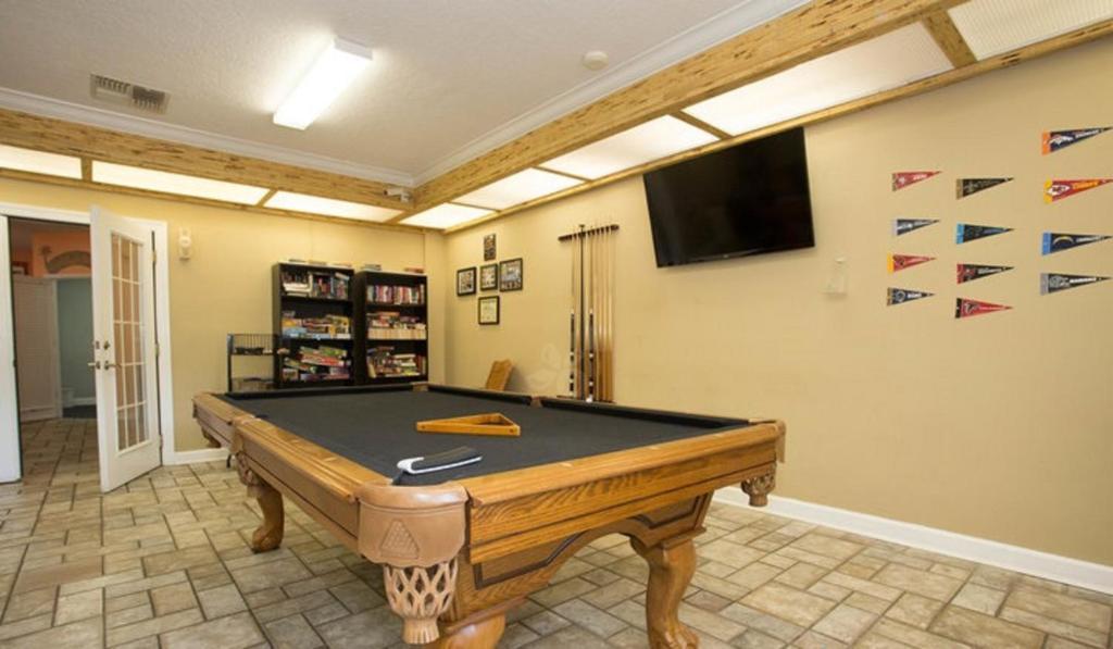 Tropical Palms Premium Three-Bedroom Cottage 37