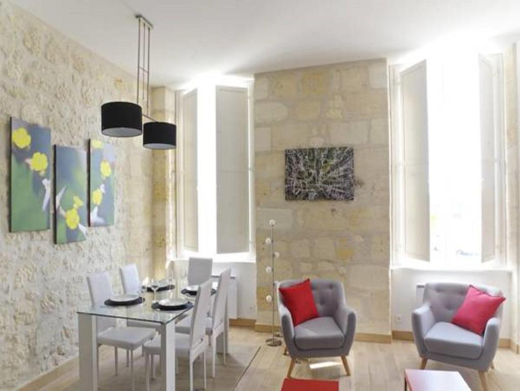 Apartment Sur Les Quais Bordeaux France Booking Com