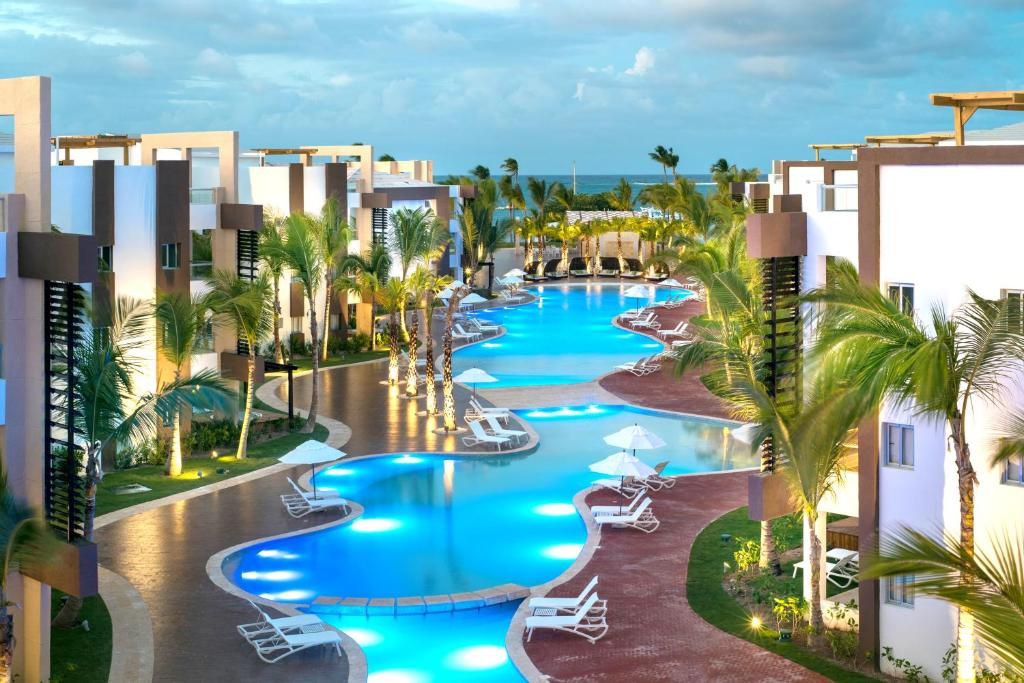 Resort bluebay grand punta cana dominican republic for Motel luxury