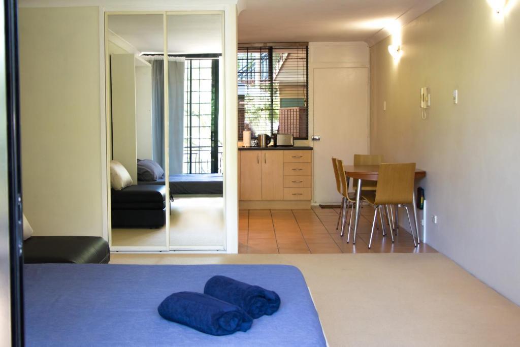 Studio Apartment Australia riverpark - studio apartment, brisbane, australia - booking