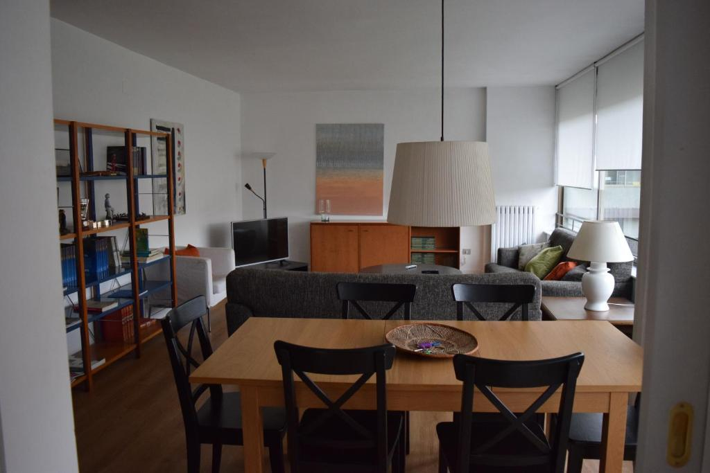 Bonita foto de Apartment Arquitecte Sert 18