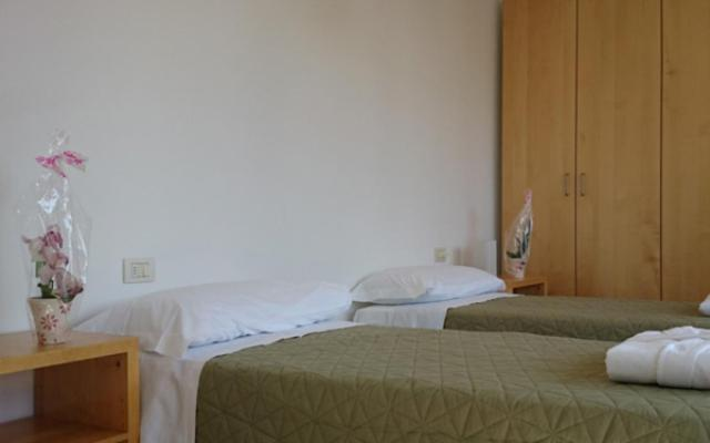 Residence Gerenzano (Italia Gerenzano) - Booking.com
