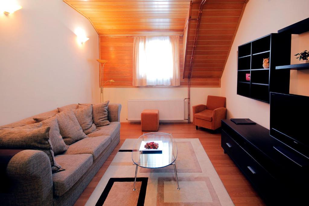 Imagini pentru http://damoci.com/dashboard/about