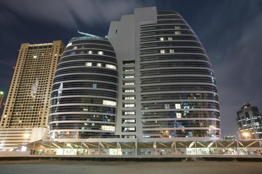 Auris metro central hotel dubai uae for Top rated hotels in dubai