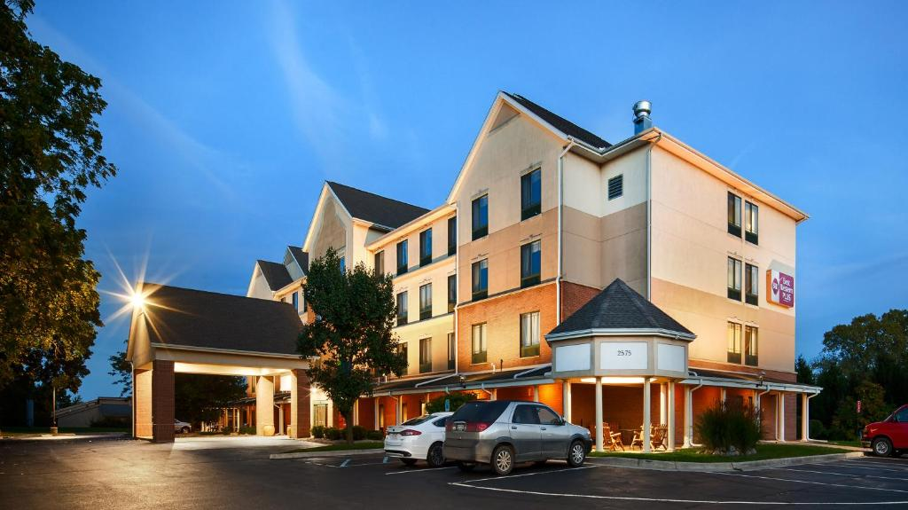 Hotel kalamazoo suites mi booking best western plus kalamazoo suites reheart Gallery