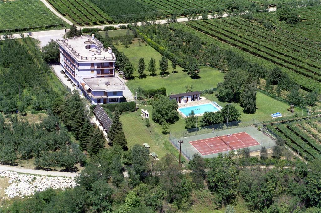 Hotel eden italie dro for Reservation hotel italie