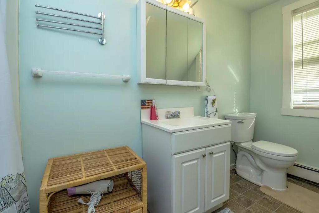 Condo Bartlett with Hot Tub, NH - Booking.com