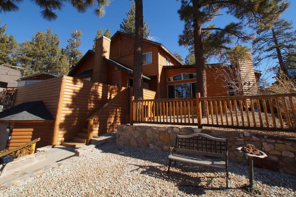 by vacation home of lake this big bear gallery cool s property honeymooner a ca hotel hideaway us cabins image