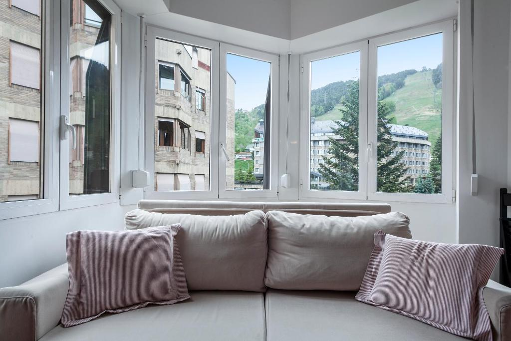 gran imagen de Apartamentos Baqueira 1500 Campalias