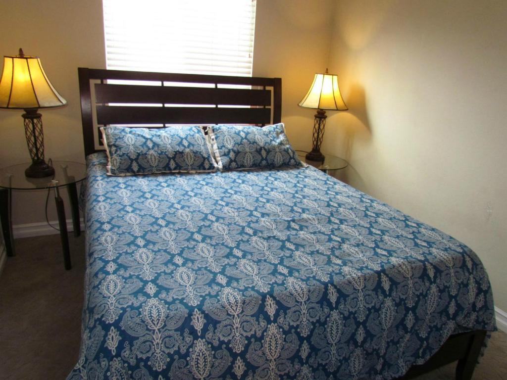 Apartment Three Bedroom Duplex Newport Beach, CA - Booking.com