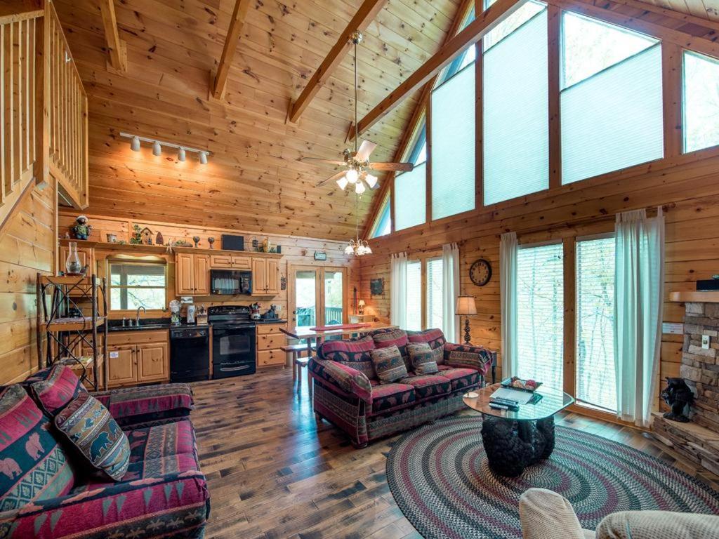 Vacation home bear essentials three bedroom home - Gatlinburg 3 bedroom condo rentals ...