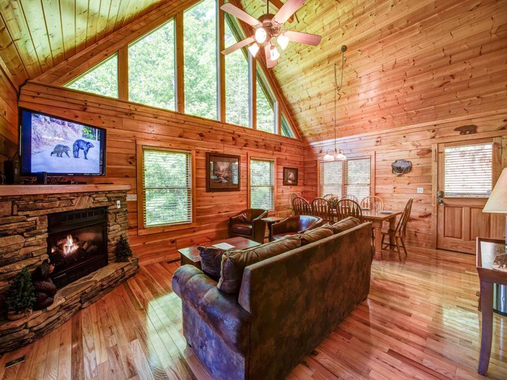 Vacation home bear 39 s corner three bedroom home - 3 bedroom cabins in gatlinburg tn cheap ...