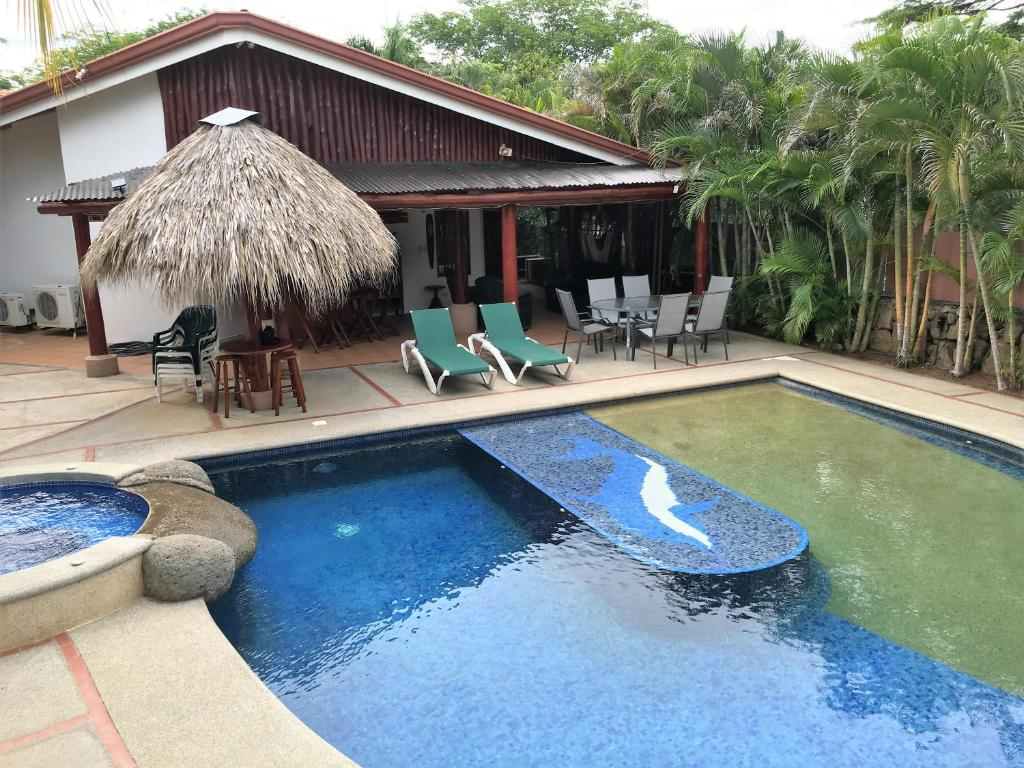 playas del coco singles El coco (playas del coco) es una comunidad costera ubicada en el distrito de sardinal, cantón de carrillo, de la provincia de guanacaste, en la república de costa rica.