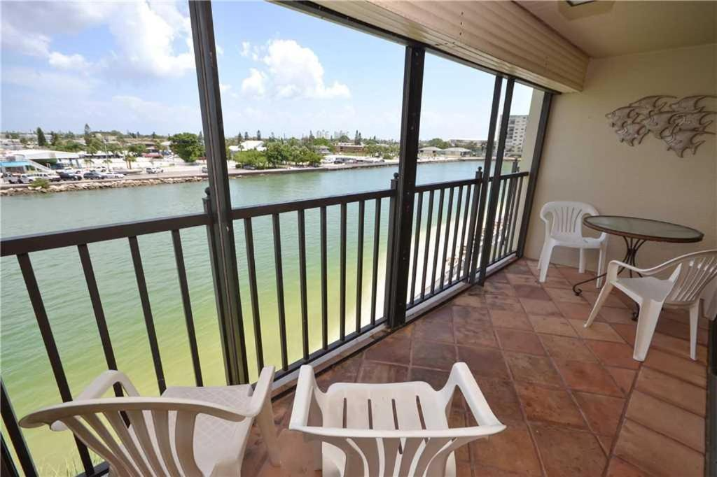 Lands End Two Bedroom Condo 4 402 St Pete Beach Fl