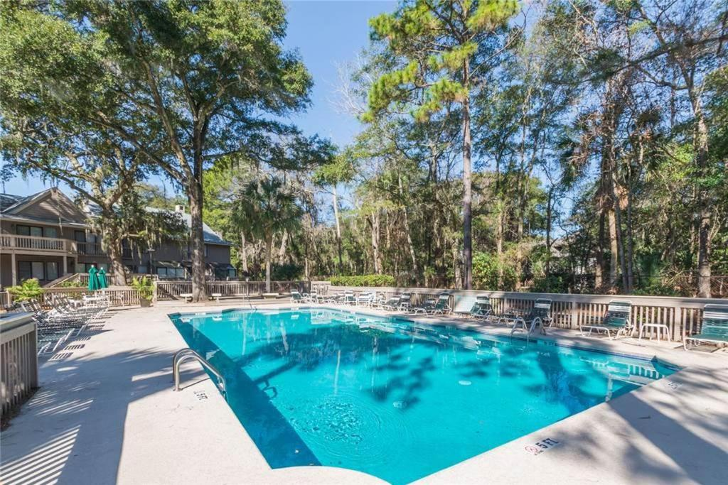 hilton head single personals Explore an array of hilton head island, sc vacation rentals, including condos, houses & more bookable online choose from more than 6,000 properties, ideal house rentals for families, groups and couples.