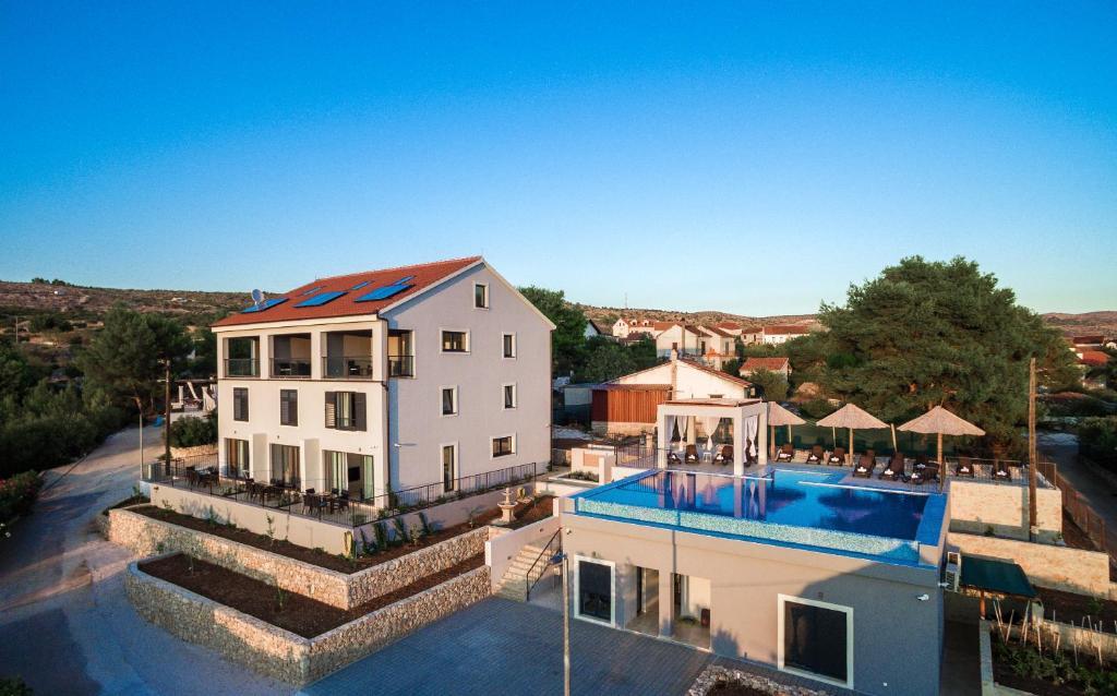 Villa toma milna croatia booking