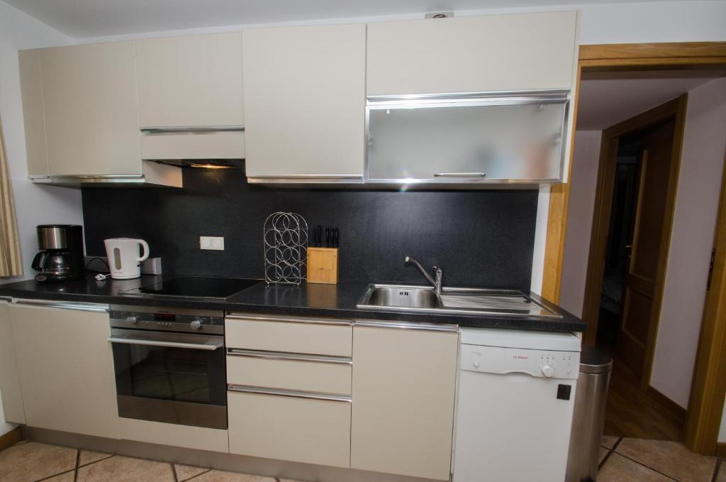 Appartement Rosas, Chamonix-Mont-Blanc, France - Booking.com