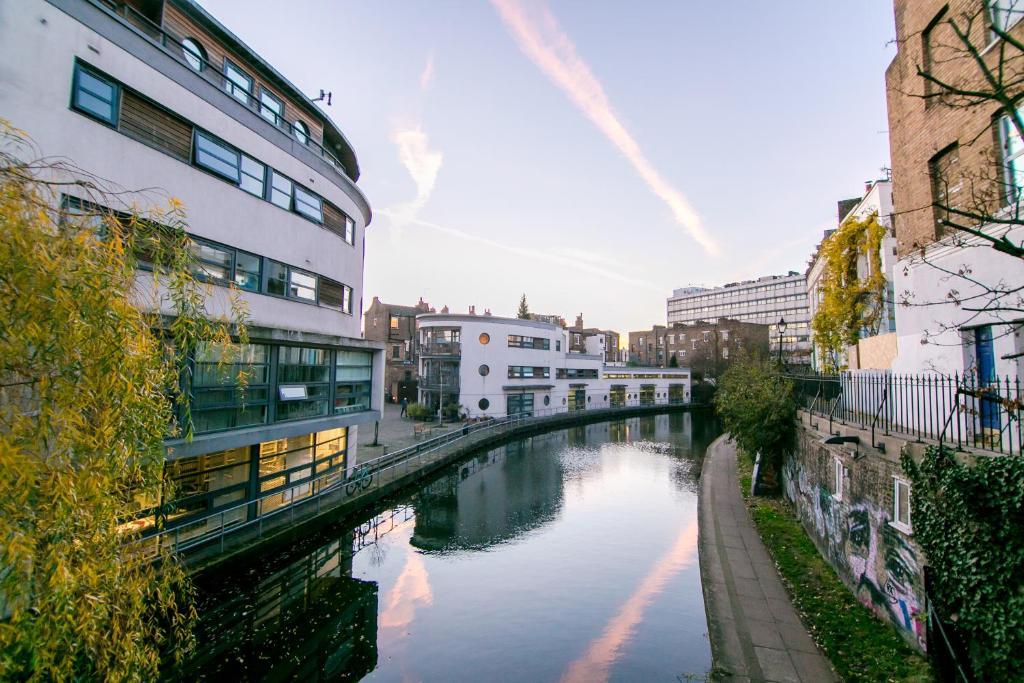 Regent Canalside Apartments London Uk Booking Com