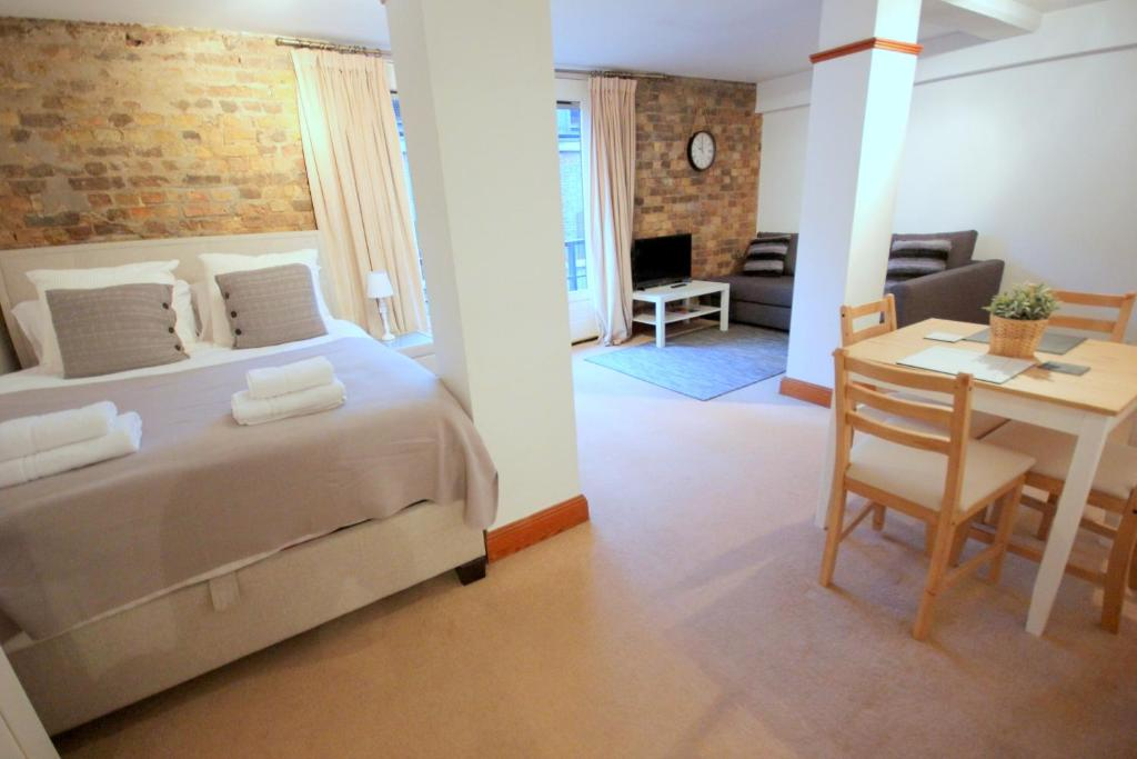 Studio Apartment London fantastic shad thames studio apartment, london, uk - booking