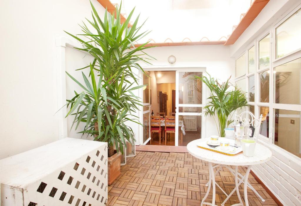 Apartment Pettirosso Home And Garden Florence Italy Bookingcom - Home-and-garden
