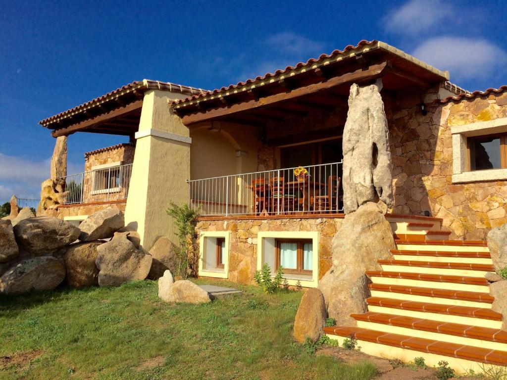 Casa vacanze villette cala ginepro italia monte petrosu for Foto villette