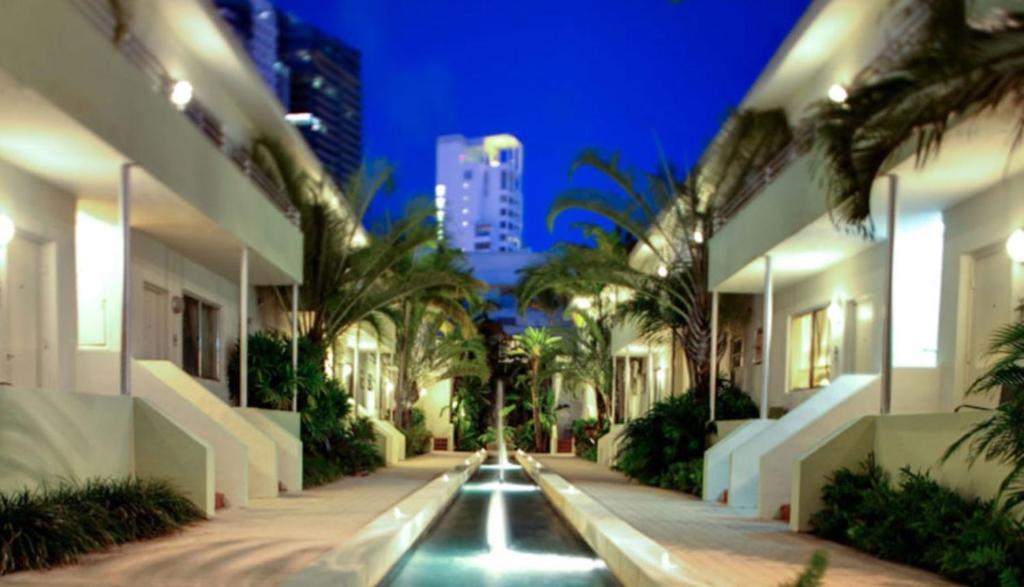 Dorchester Hotel Suites Miami Beach Fl Booking Com