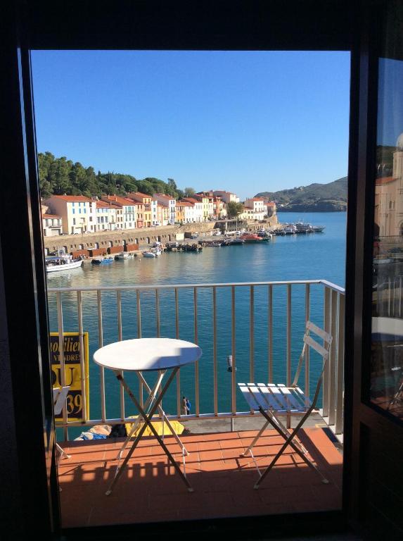 Un Balcon Sur La Mer PortVendres Updated Prices - Hotel sur le quai port vendres