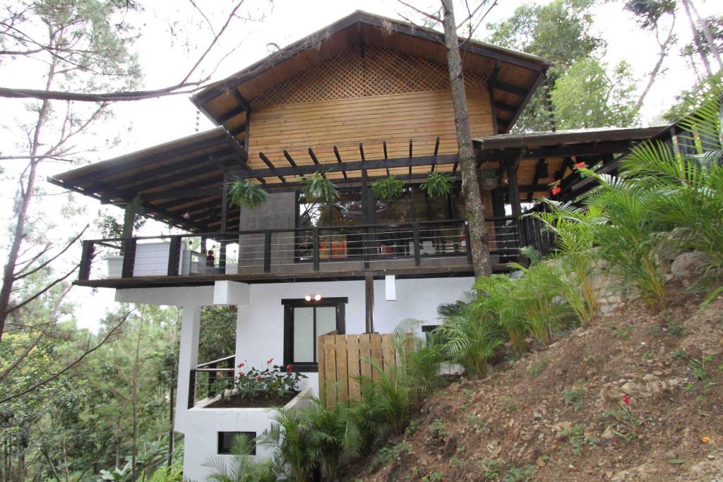 El sue o villa jarabacoa dominican republic for Villas en jarabacoa