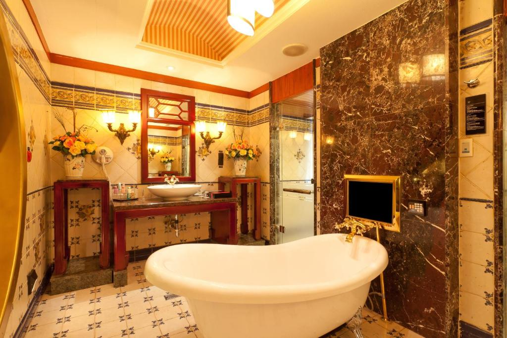 ウェゴ ホテル 林森館/薇閣精品旅館林森館にあるバスルーム